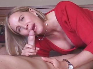 mature wife receives creampie