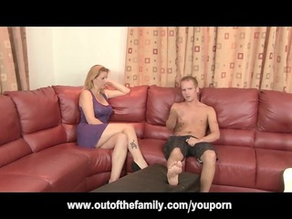 mother i gets anal during the time that daughter