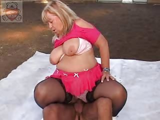 older full mummy seduces the sons ally at the