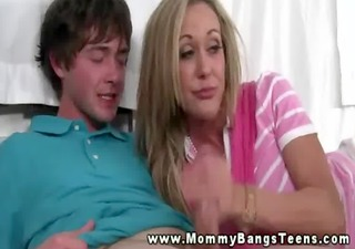 milf teaching legal age teenager how to engulf