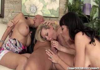 8 sexy cougar sluts share large dick