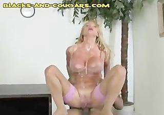 cougar temp receives interracial fuck